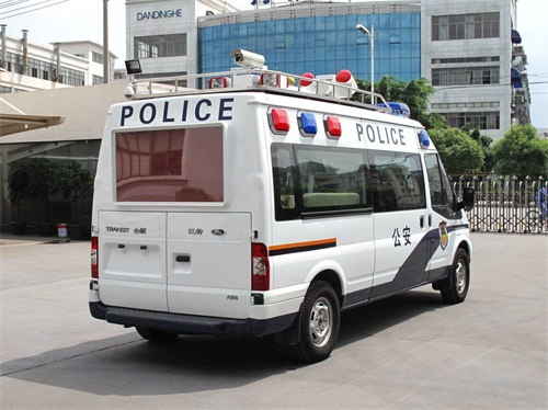 警用勘察车图.jpg